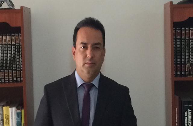 Carlos Fernando           Cometa Hortúa